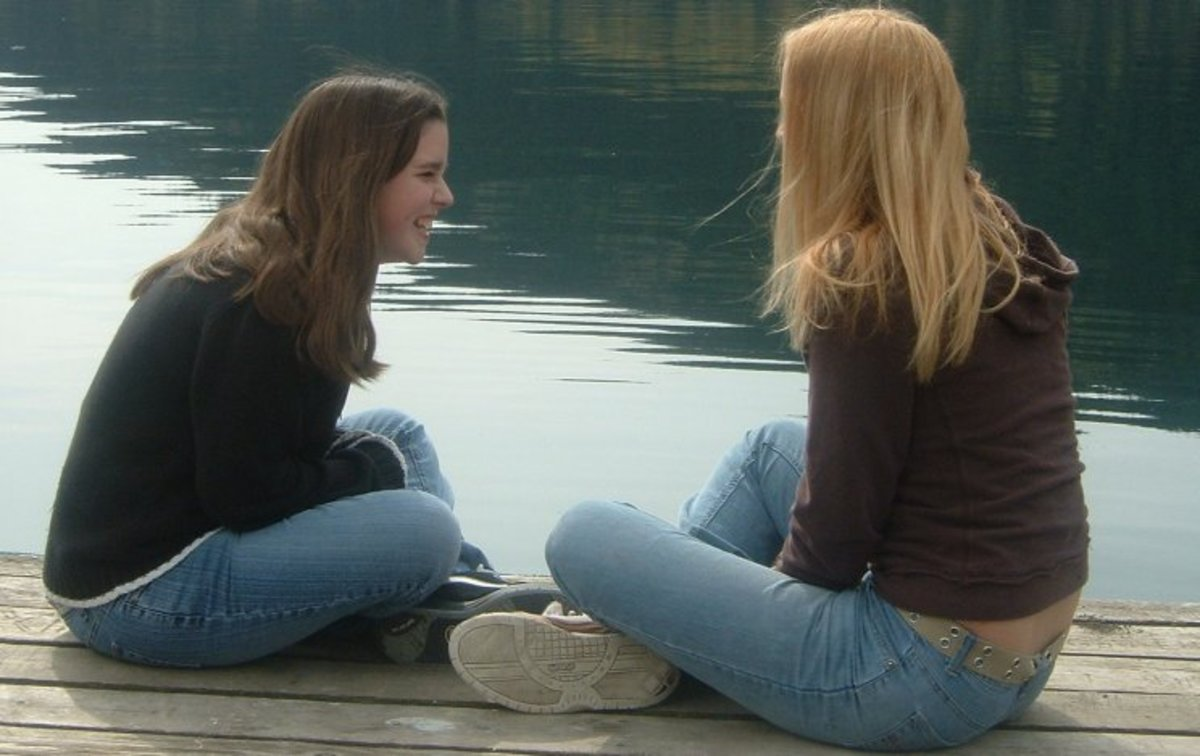 What to do when your best friend lies to you? Tips to deal with a friend who is a liar