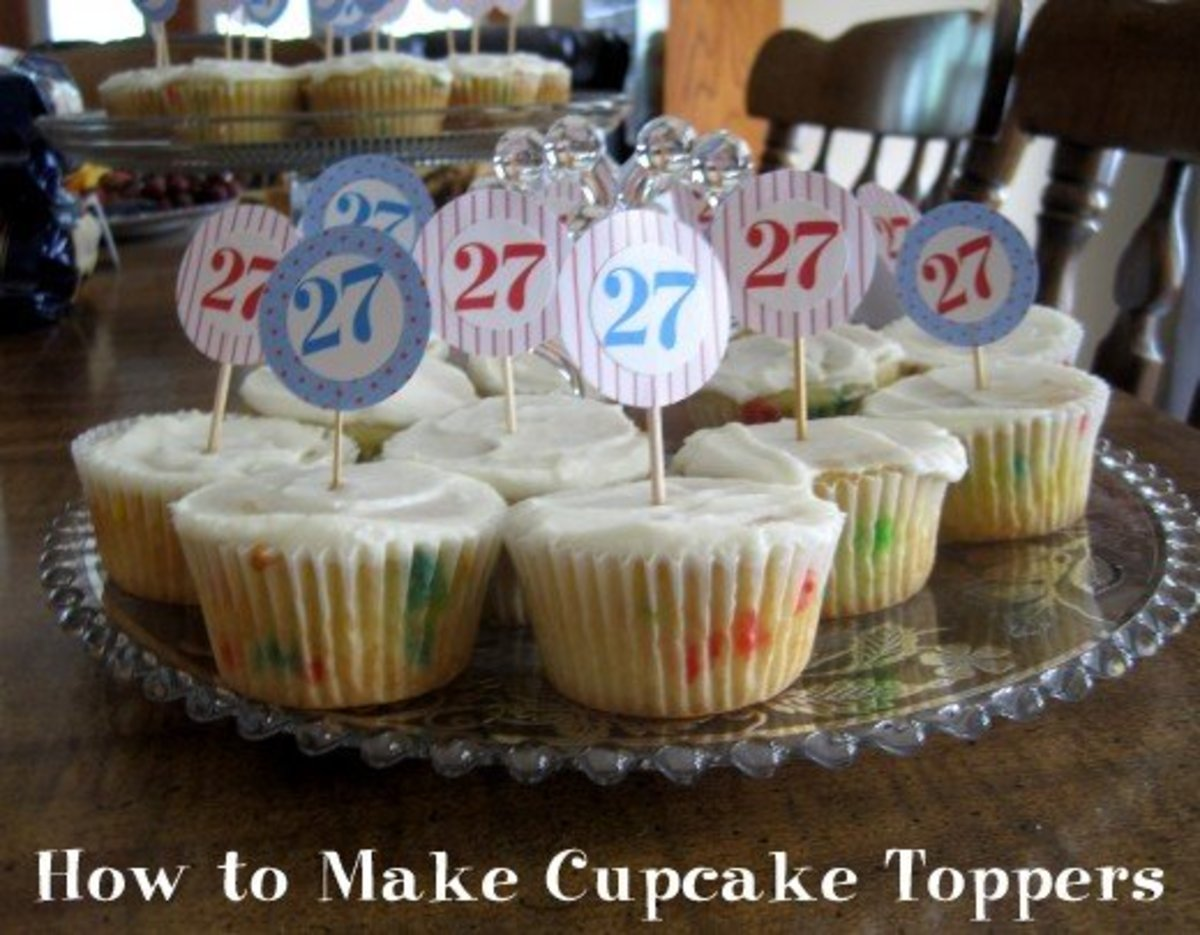How to Make Easy Personalized Cupcake Toppers