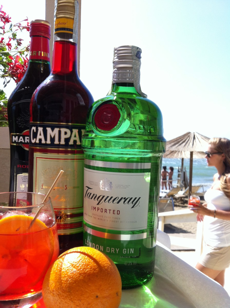 Negroni on the beach in Tuscany