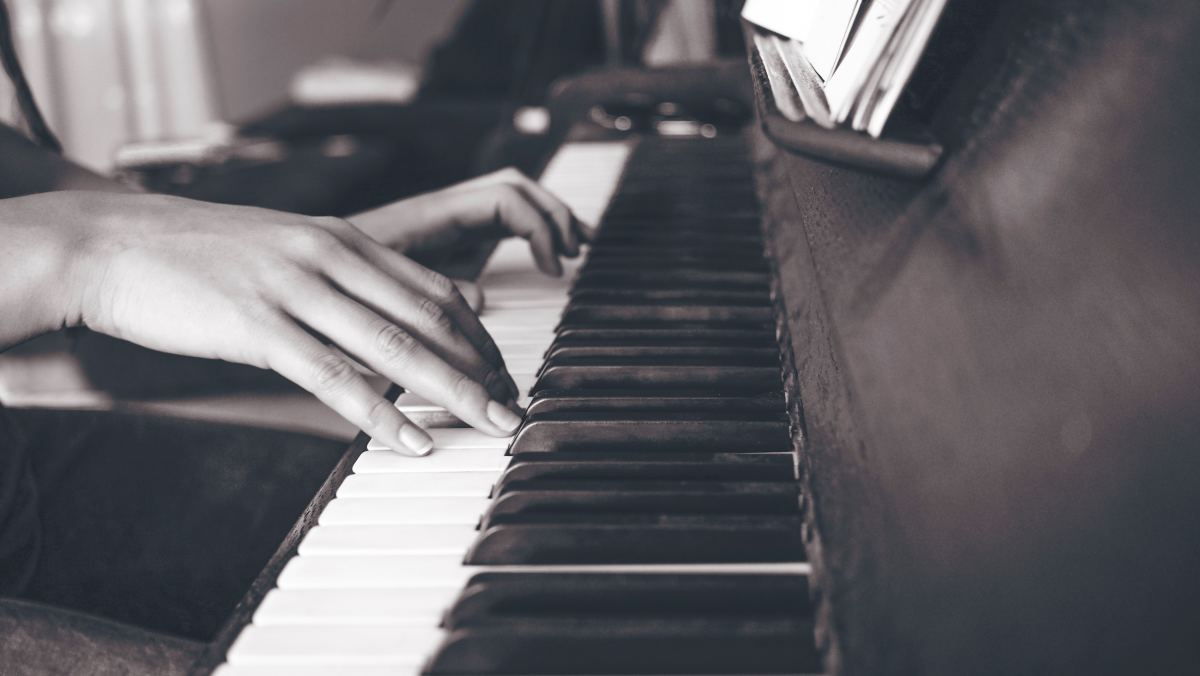Piano Chords: A Comprehensive Overview for Beginners