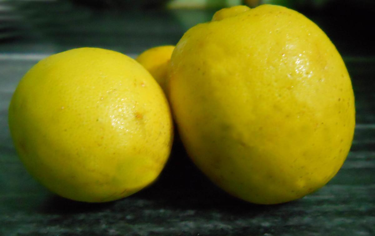 benefits of using lemon on skin