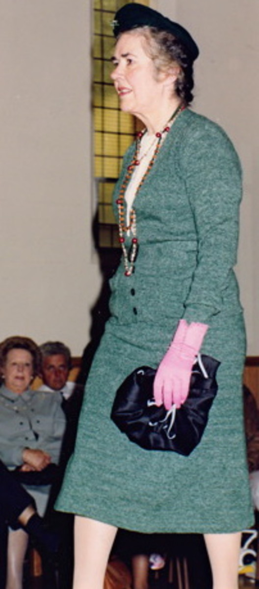 Knitted suit: 1930s