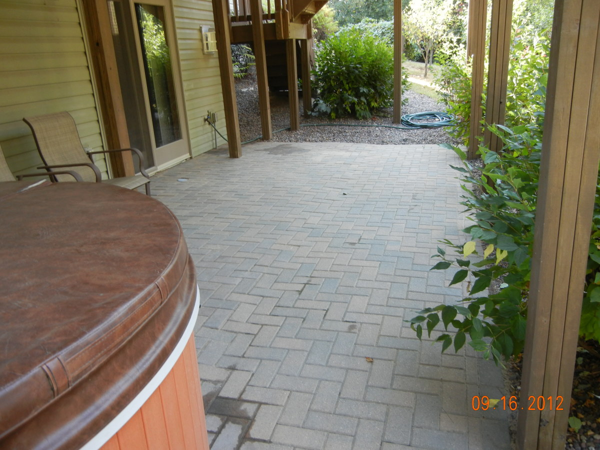 How to lay pavers for a patio fixing a brick patio yourself dengarden here is our repaired patio solutioingenieria Choice Image