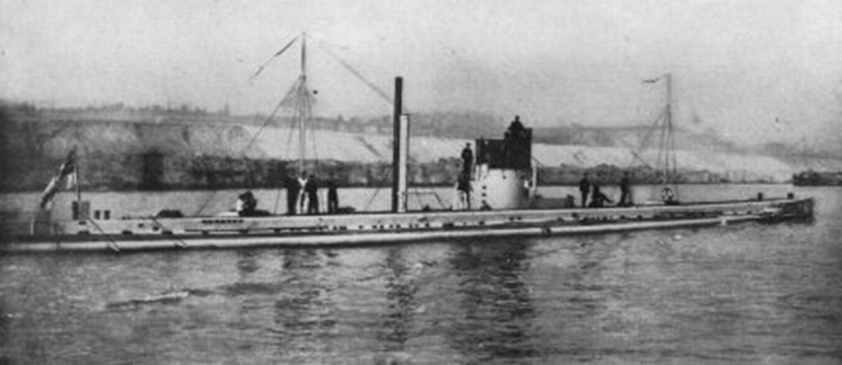 WW1: German U-Boat SMS U-9 (1914).