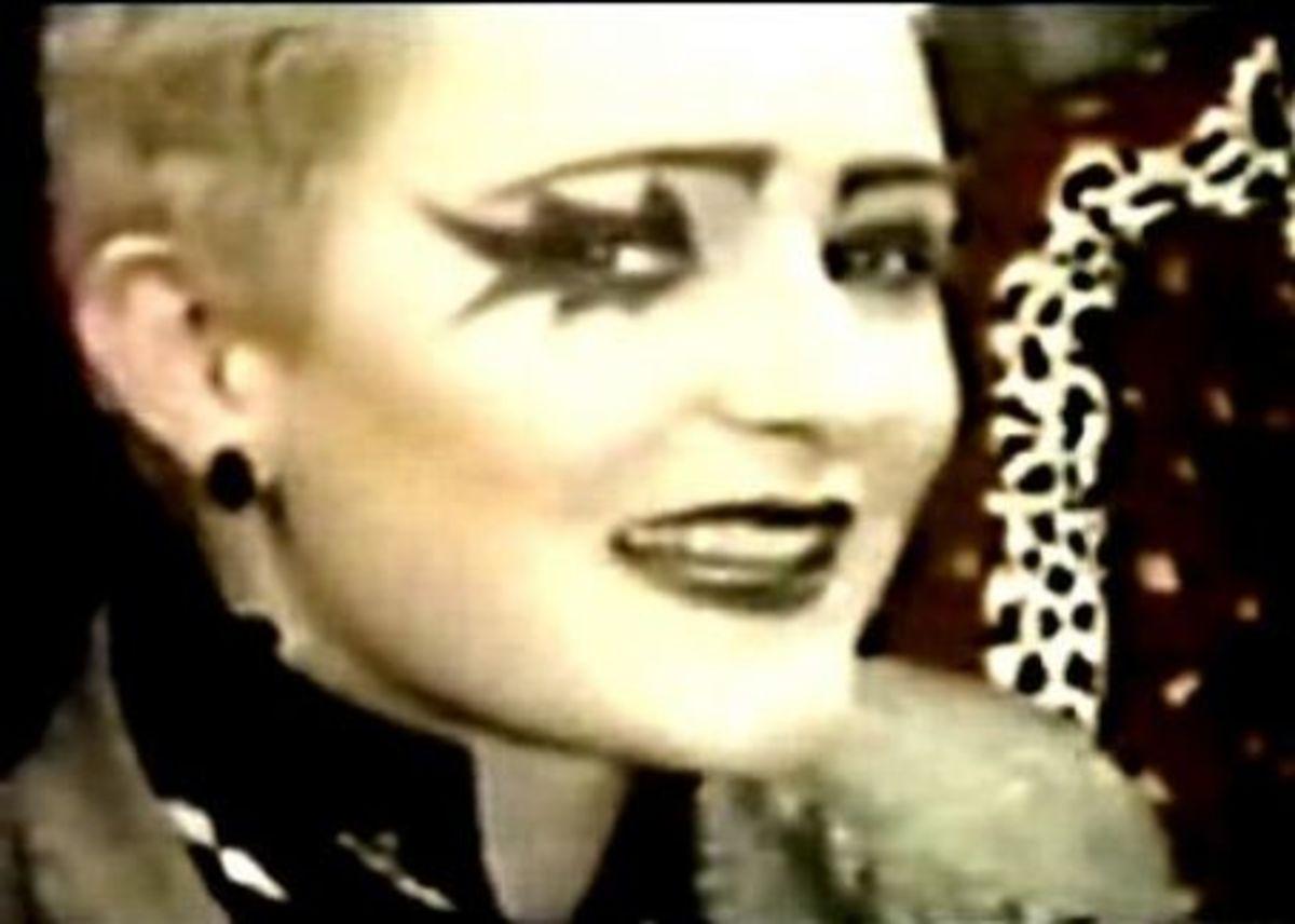 1970s Punk Makeup
