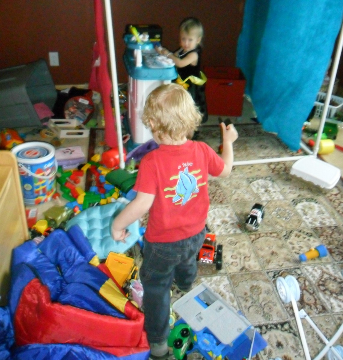 Clobber the Clutter with Kids