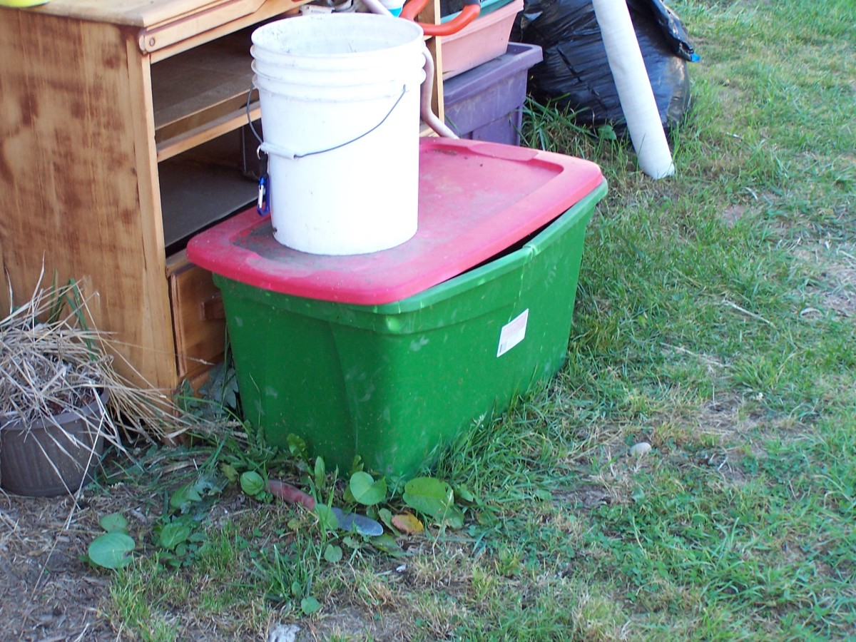 How to Make a Compost Bin from a Plastic Storage Container