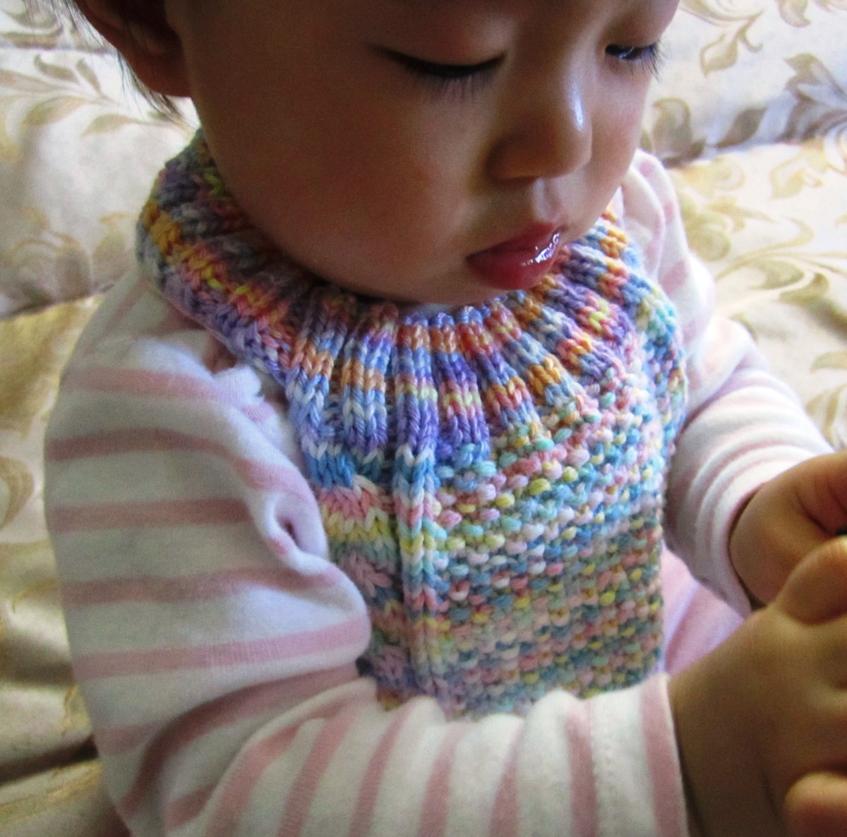 Cable Stay-on Baby Bib Free Knitting Pattern | HubPages