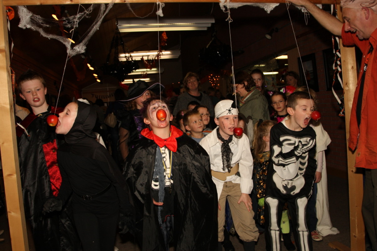 14 Halloween Party Games for Kids