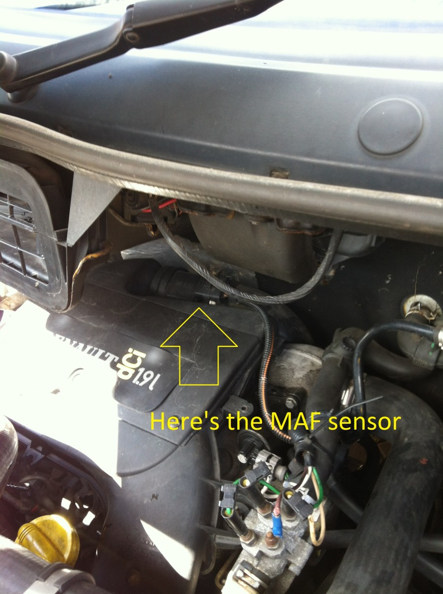 how-to-change-the-mass-airflow-sensor-maf-on-a-trafic-vivaro-primastar-van