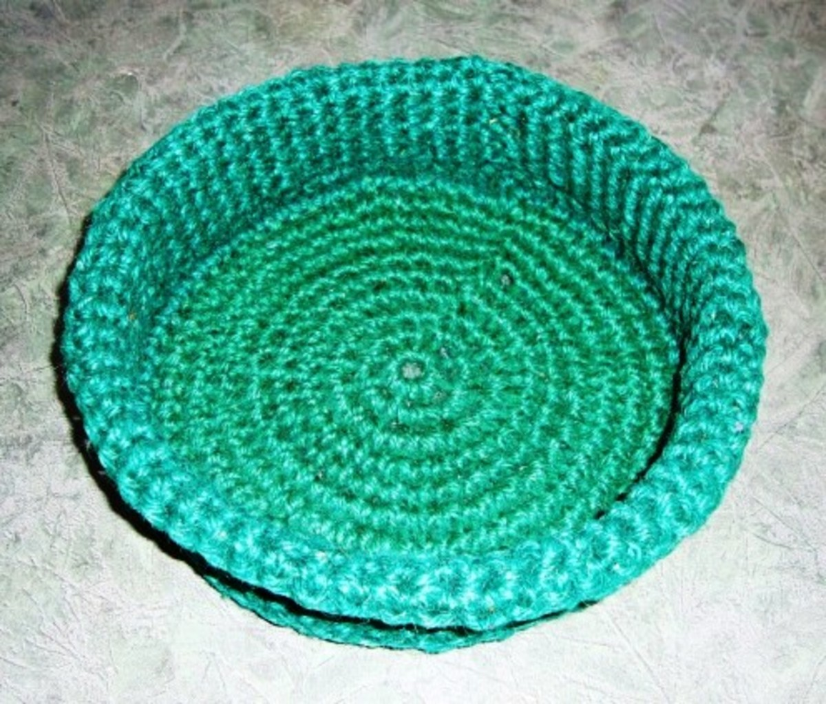How to Crochet a Round Basket From Gardening Twine
