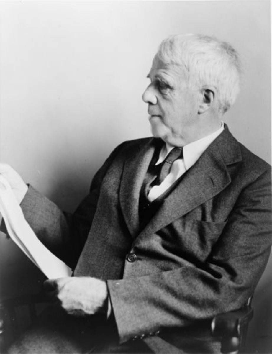 Photograph of Robert Frost in late life.