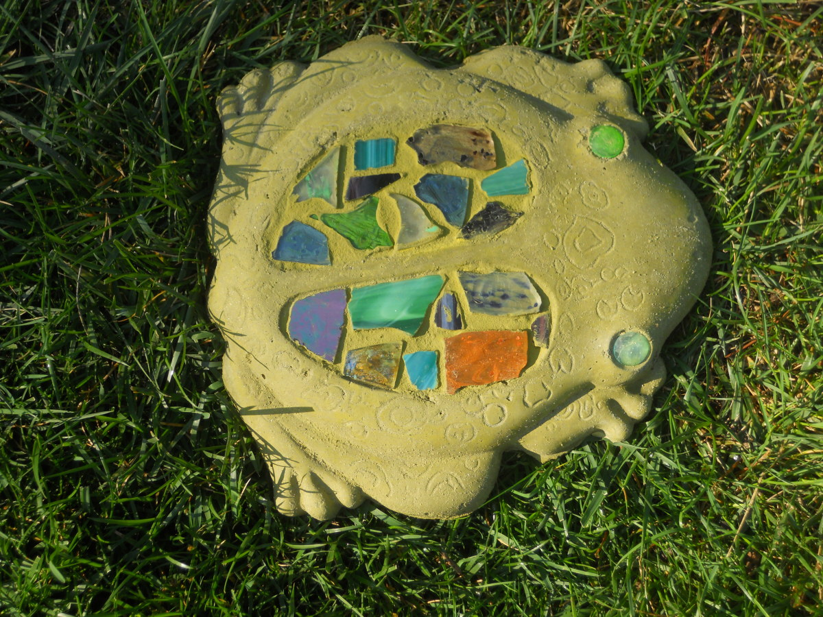 how to make a garden mosaic stepping stone