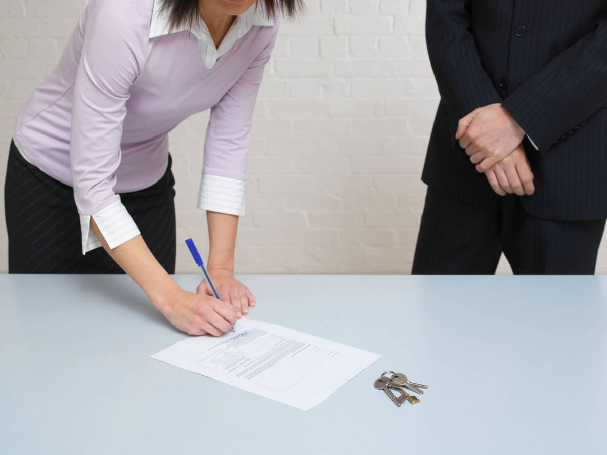 What You Need To Know Before Signing A NonCompete Agreement