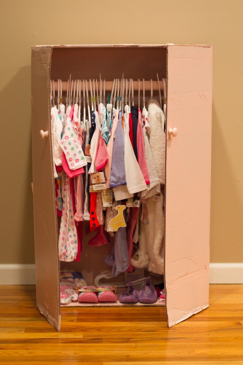 How to Make a Baby Shower Closet