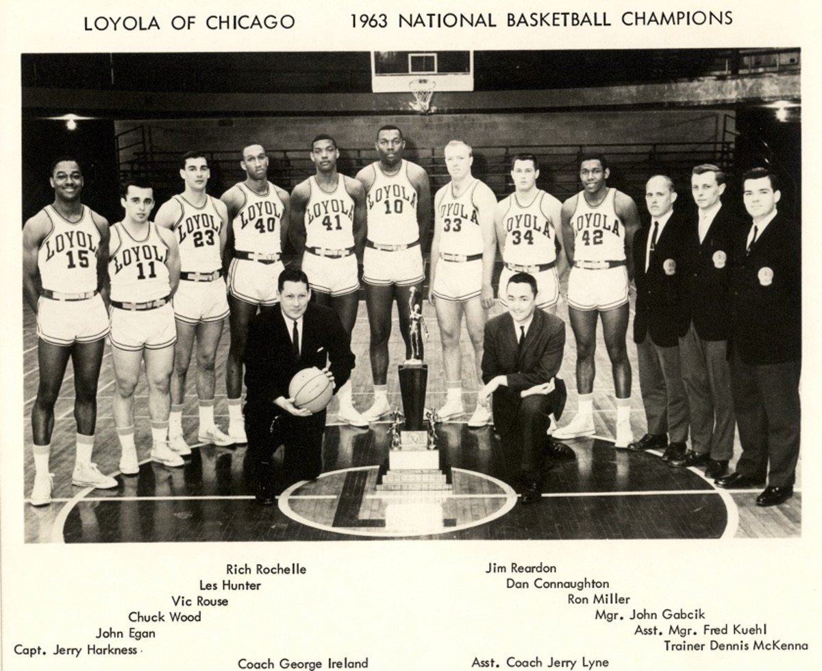 1962-63 Loyola Ramblers team photo, with National Championship trophy.
