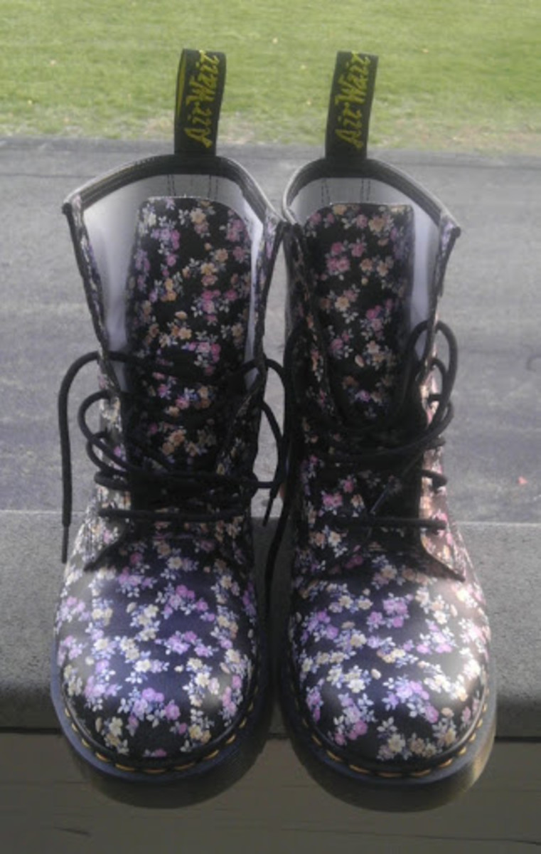 Mini Tydee Pattern Dr Martens for Women