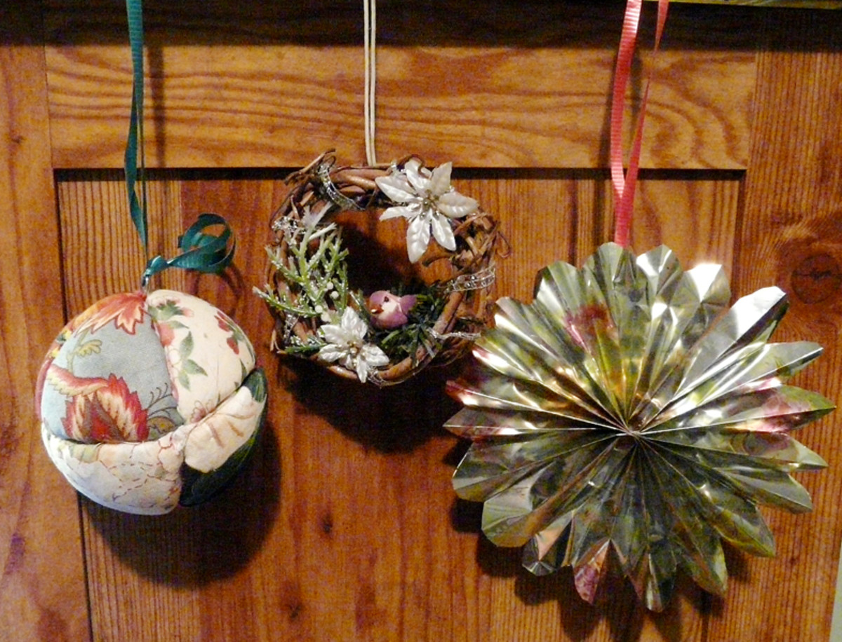 3 Easy Homemade Christmas Ornaments