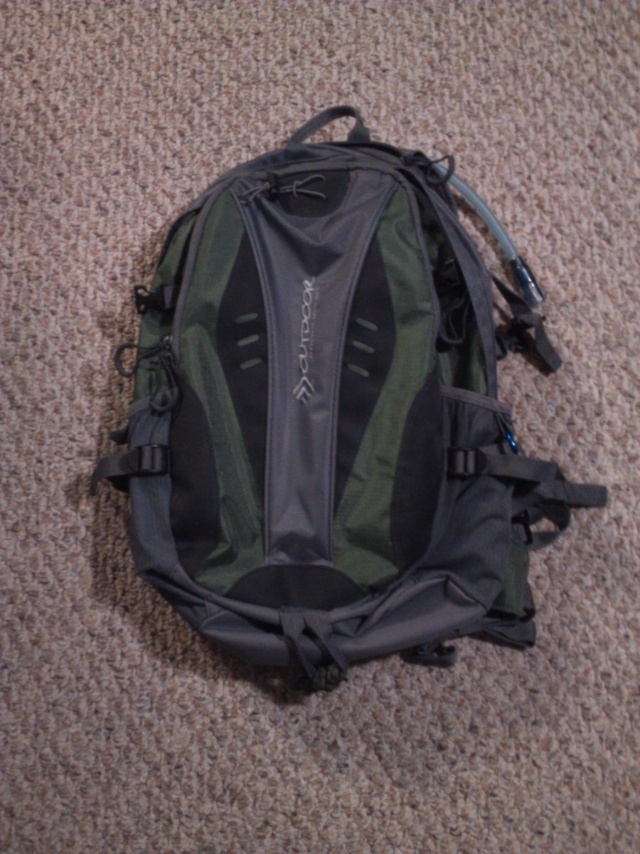 When building your survival kit, you should use a large enough backpack with numerous pockets.