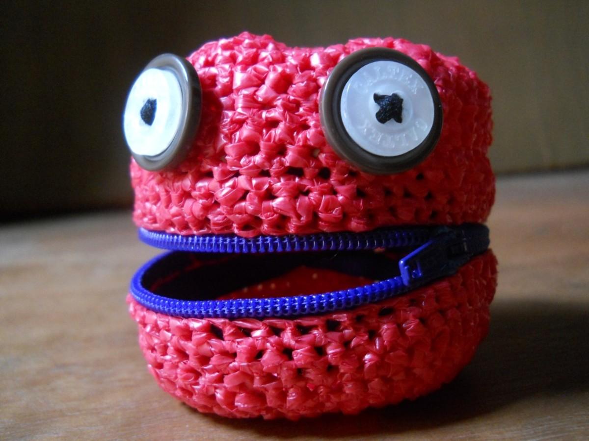 Crochet MOLIH Amigurumi Coin Purse Free Pattern