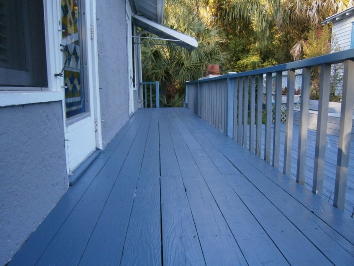 Paint An Old Wooden Porch And Deck