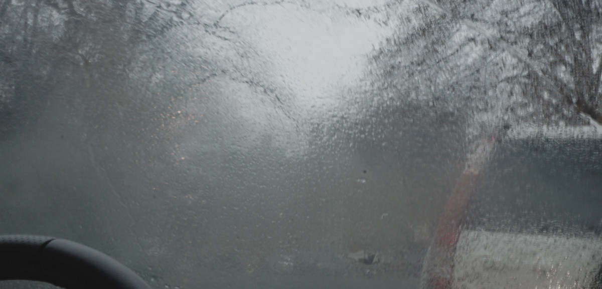 How to Stop Condensation and Damp in a Car