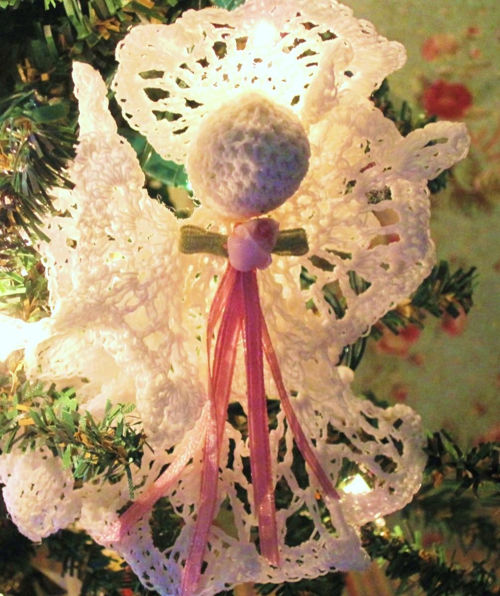 Free Crochet Pattern: Victorian Vintage Angel Christmas Ornament