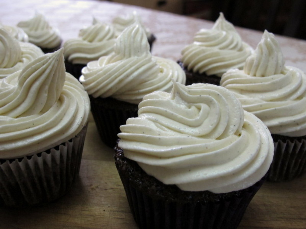 Moist Chocolate Cupcakes with Buttercream Frosting