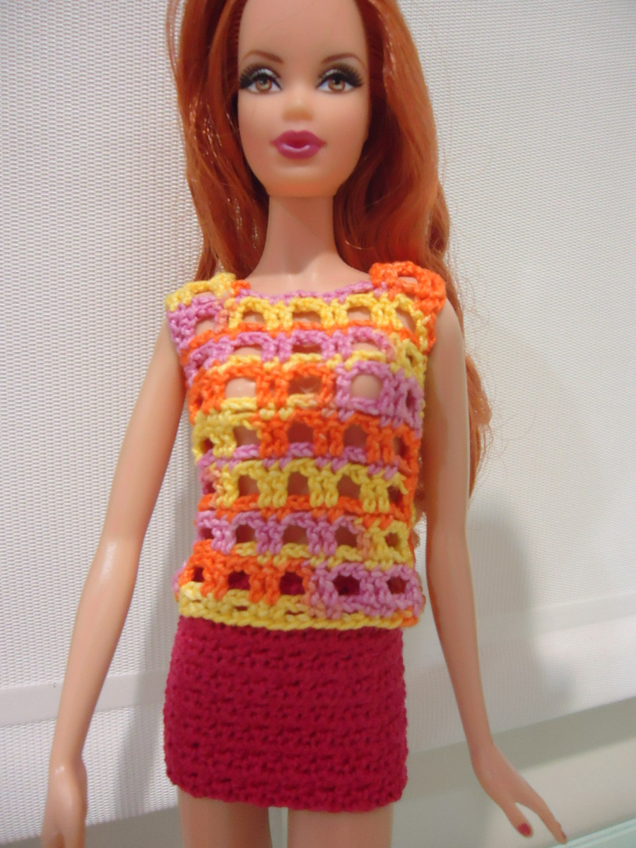 barbie-lace-casual-top-and-mini-skirt-free-crochet-pattern