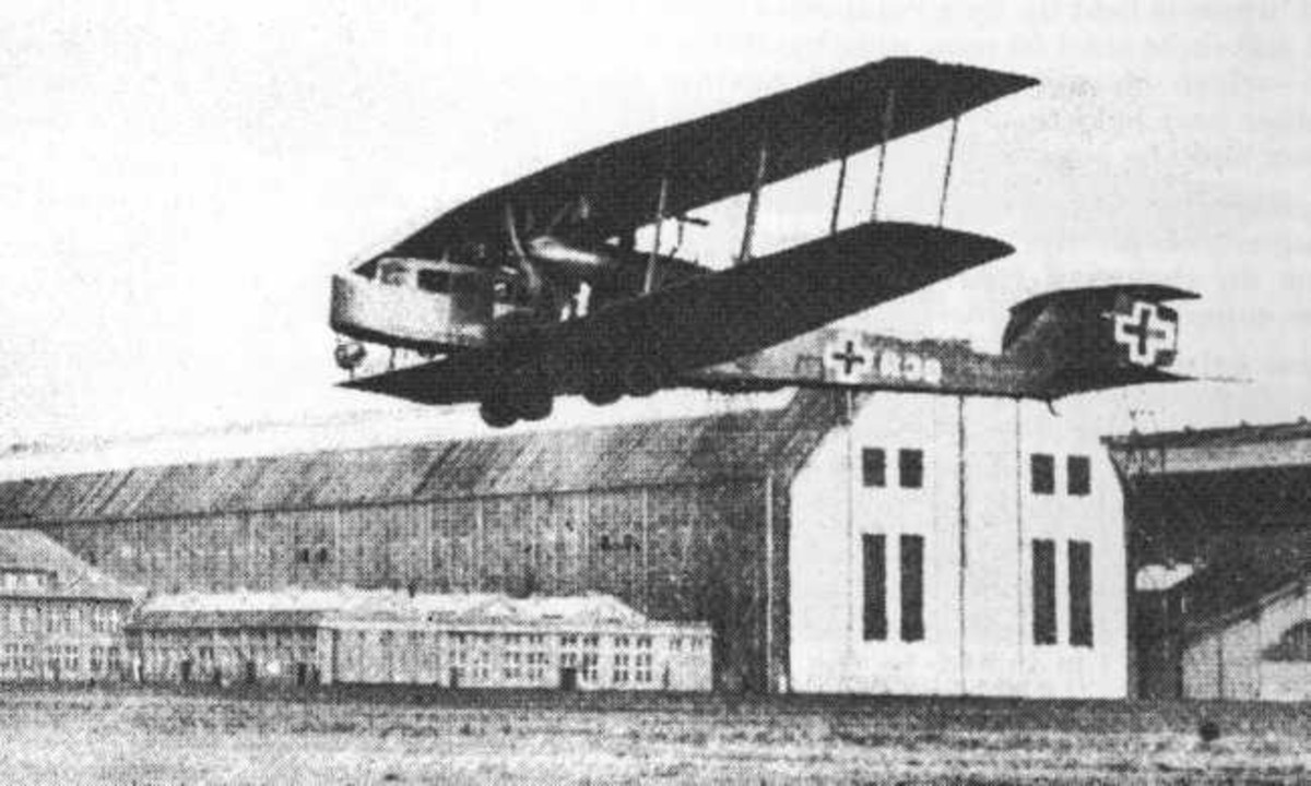 World War One: Zeppelin-Staaken R.VI (Giant) taking off.