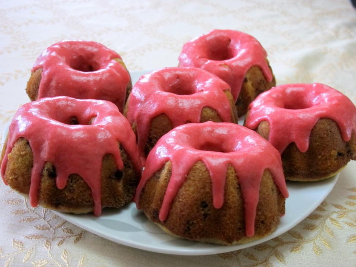 Mini Bundt Cake Recipe: Blackberry Lemon Bundt Cakes