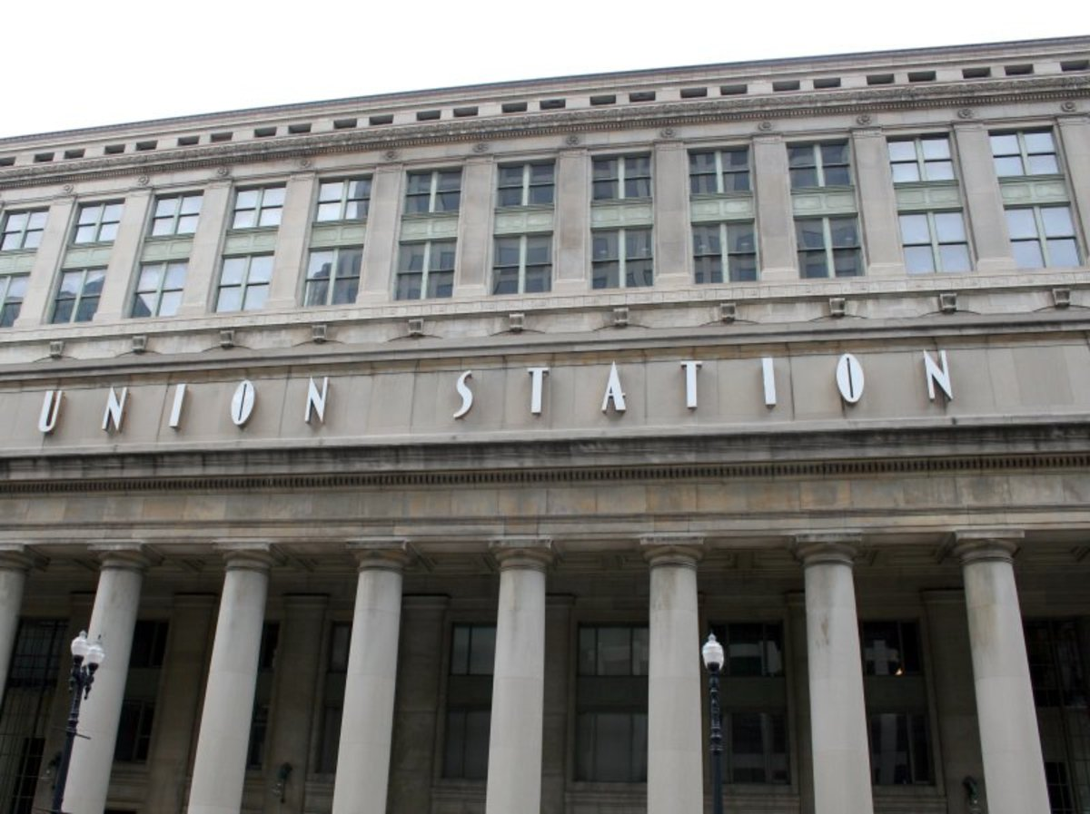 How to Avoid Boarding Chaos on Amtrak at Chicago Union Station