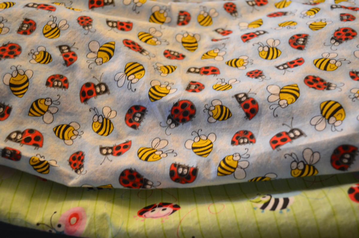 DIY Fitted Crib Sheets
