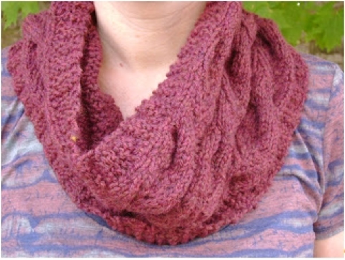 hand knit cabled cowl pattern  (c) purl3agony 2012