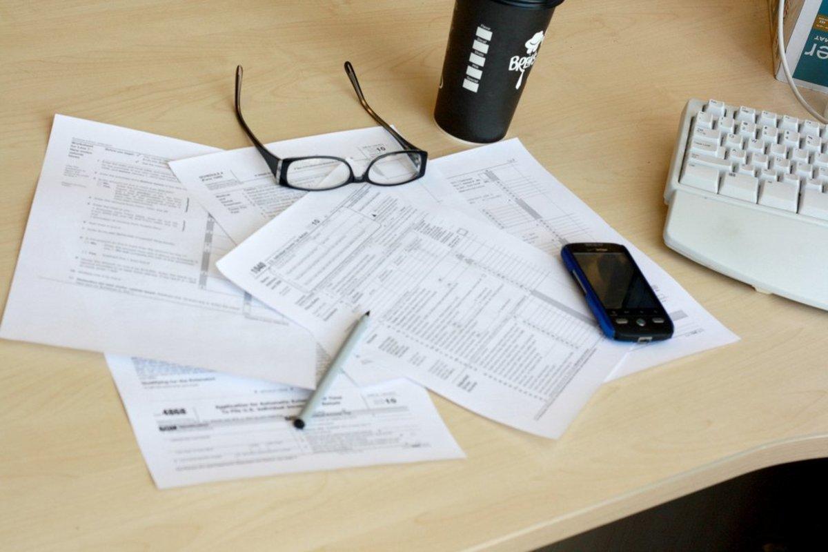 Can I claim my girlfriend on my taxes?.