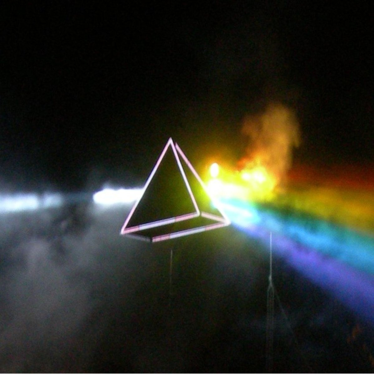 The Meaning of Pink Floyd's Dark Side of the Moon | Spinditty