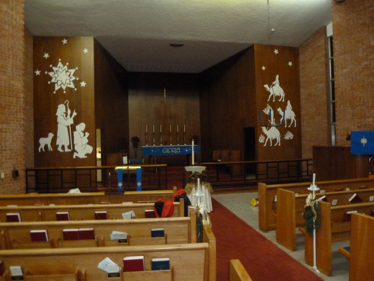 Decorating the Church and Altar for Advent and Christmas: A New Approach