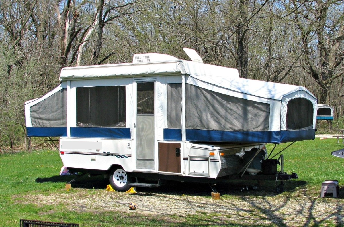 Is a Pop-Up Camper a Good RV Choice for You?