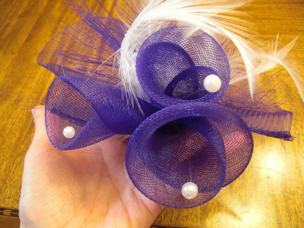 How to Make a Fascinator: Crin Flower Trim
