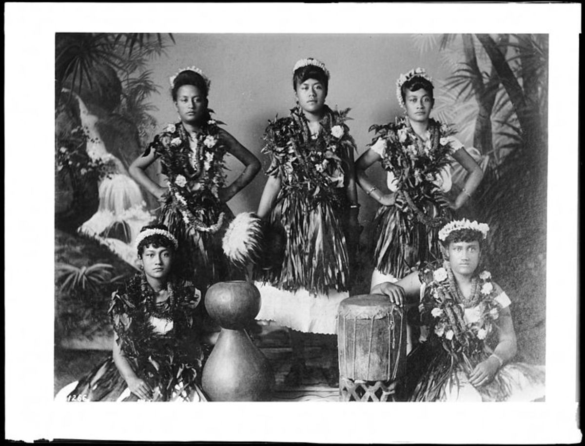 Hawaiian hula troupe, circa 1907