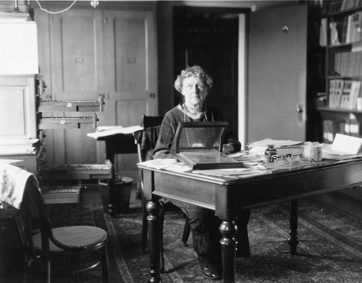 Annie at her desk in the Harvard College Observatory.