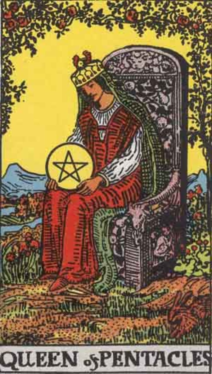 Rider-Waite Queen of Pentacles. Public domain image, Pamela A. version c 1909