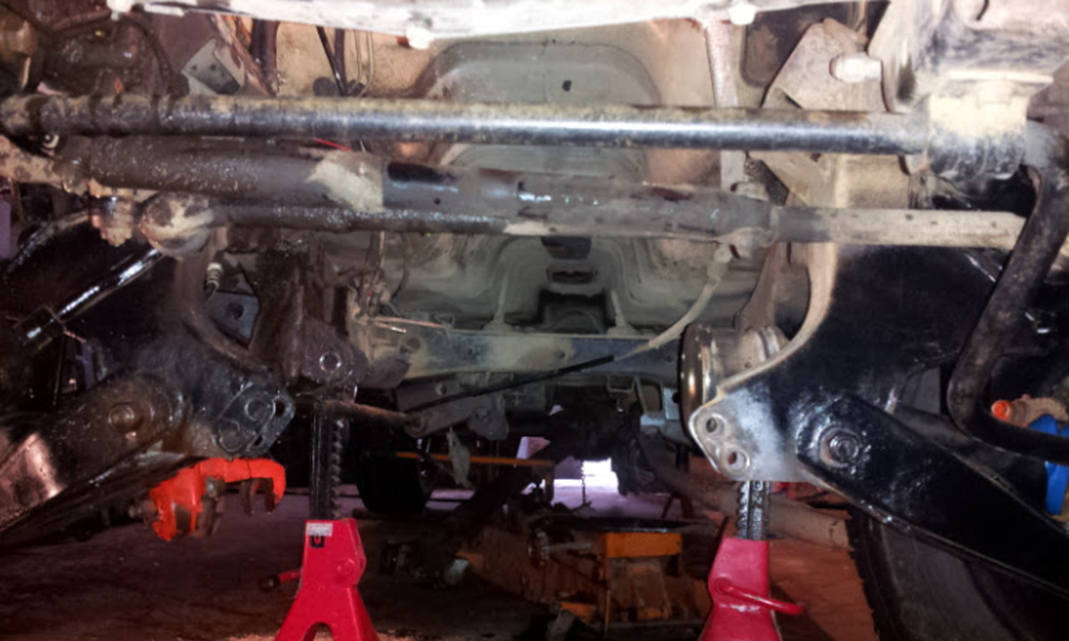 Changing the Clutch on a Nissan/Datsun 720 4x4 Pickup
