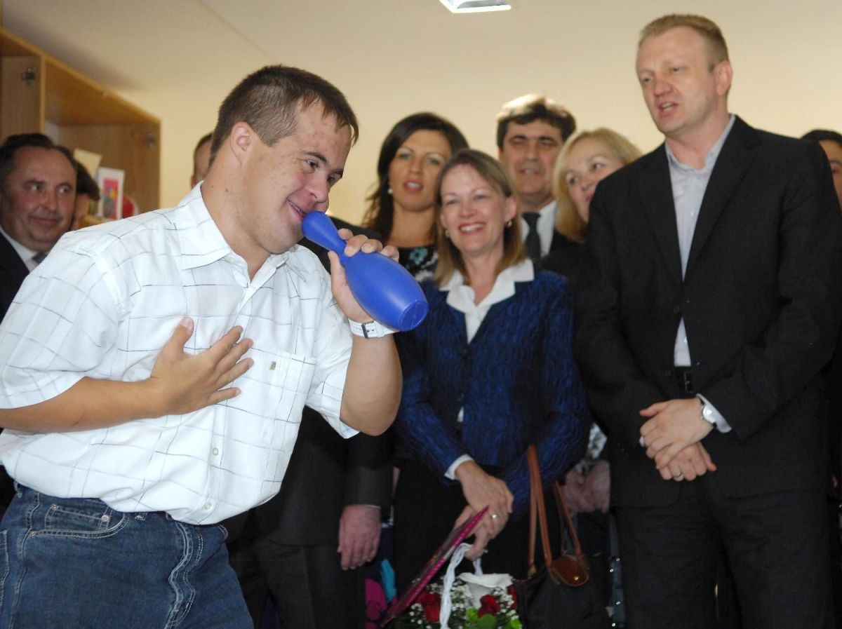 Managing a Day Program for People With Developmental Disabilities