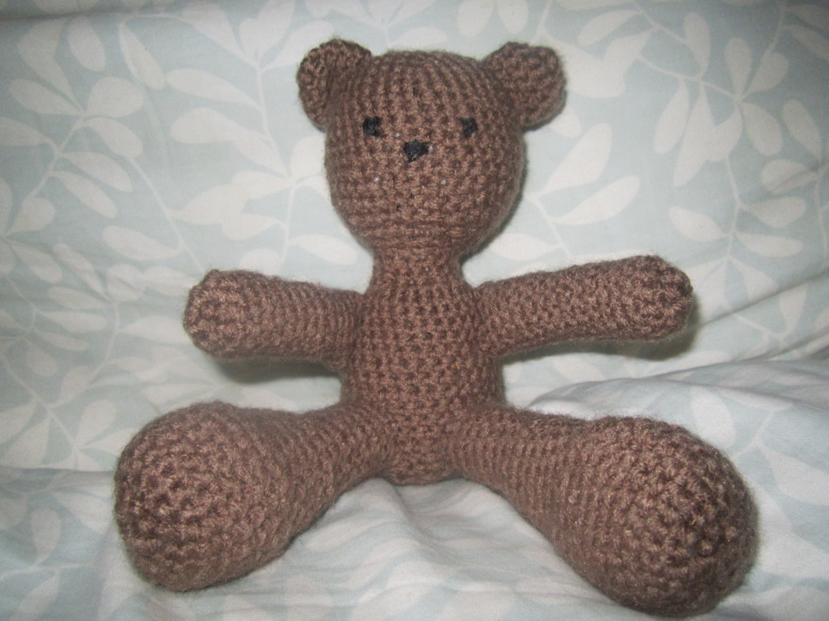 Crochet amigurumi teddy bear