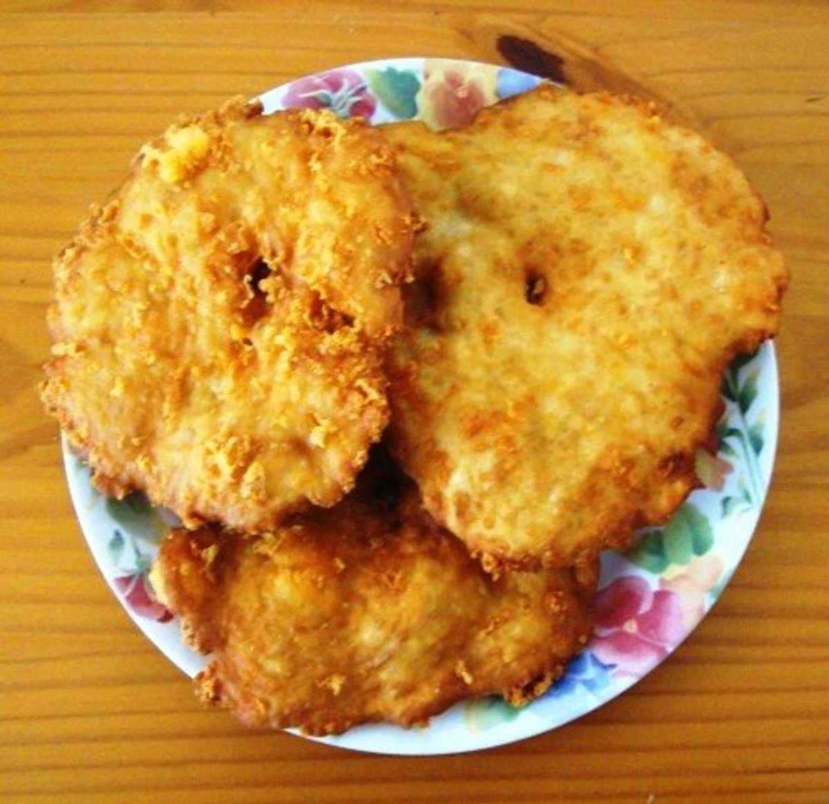 Cooked cheese fry bread, crispy and delicious.
