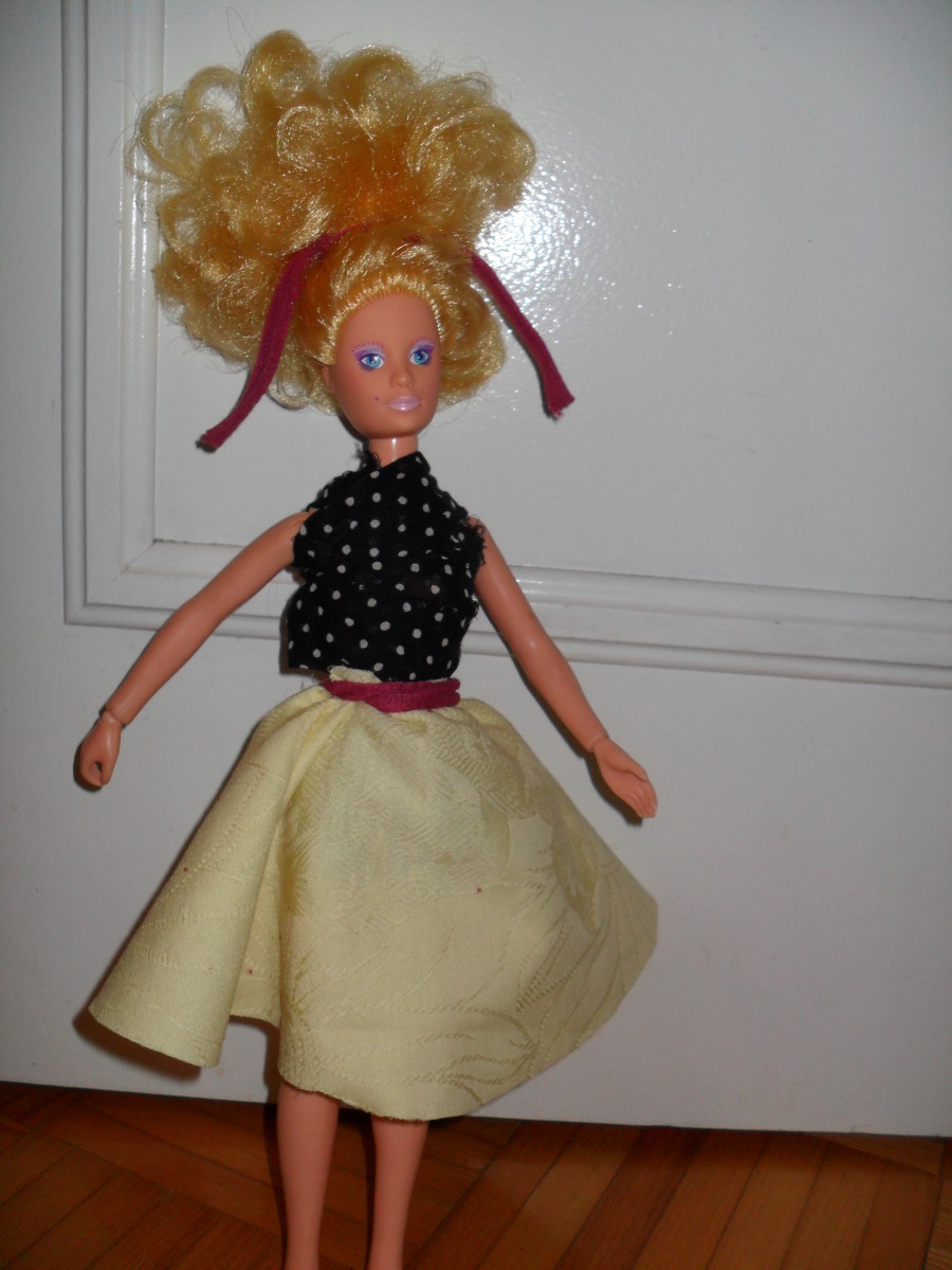 A No-Sew Doll Clothing Design