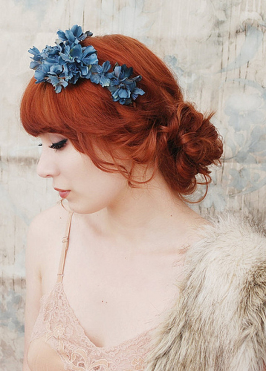 Romantic Era Fashion: Dresses and Accessories for Ladies