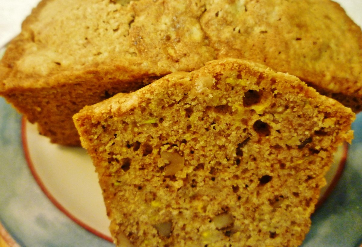 Yellow Squash Bread Recipe with Walnuts - Easy To Make and Delicious