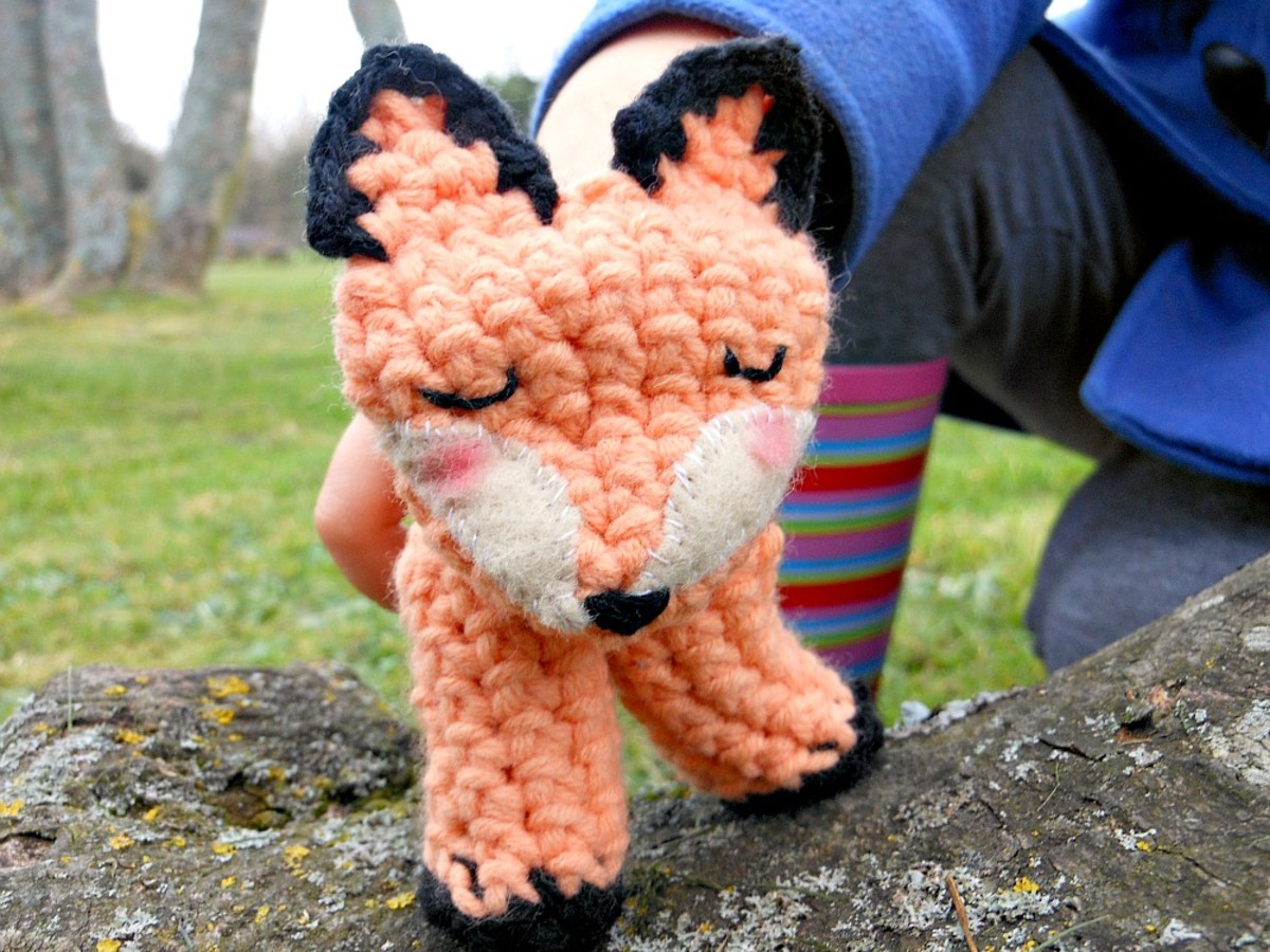 Crocheted fox finger puppet free pattern
